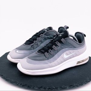 Nike Air Max Axis womens shoes size 10